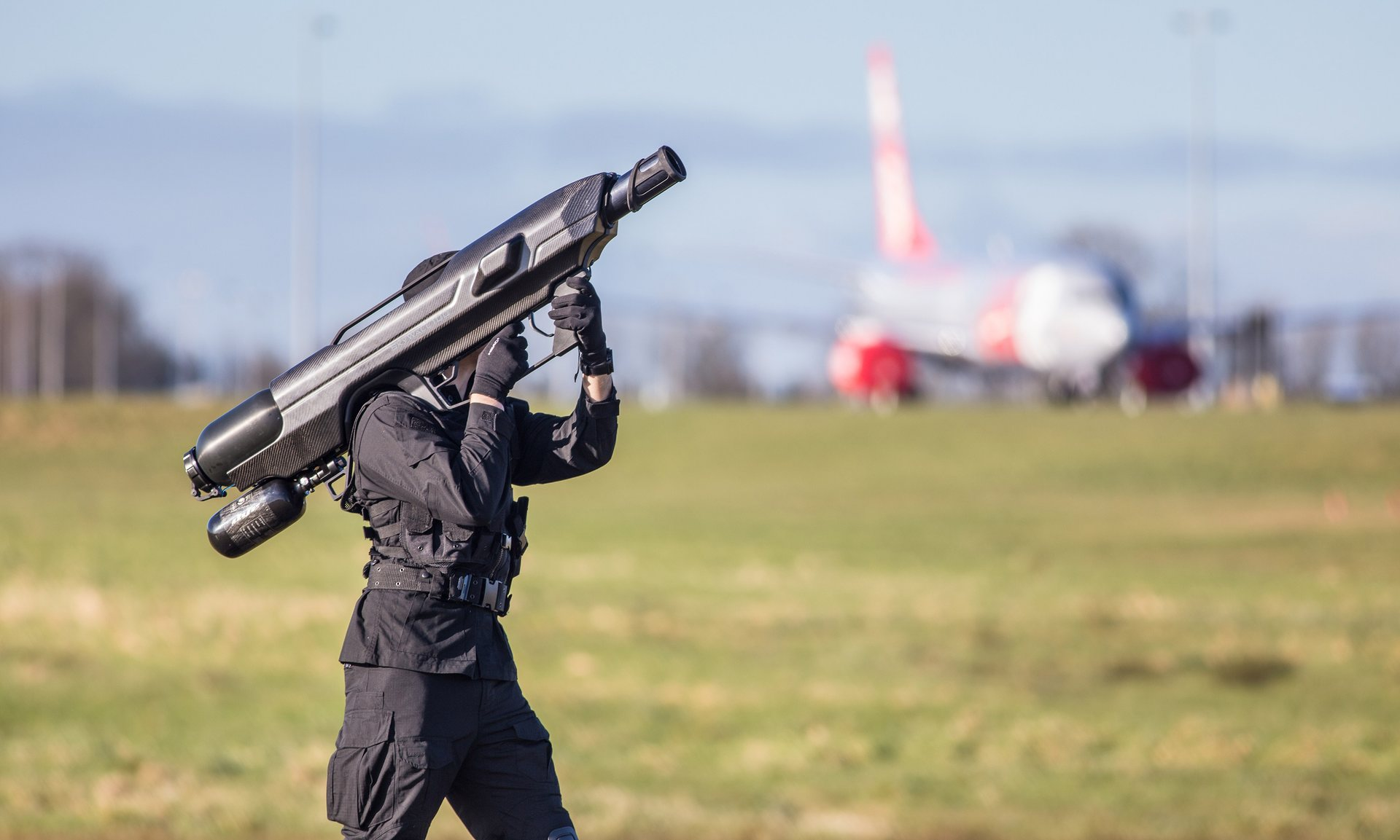 UK startup pitches crazy looking bazooka to take down rogue drones on