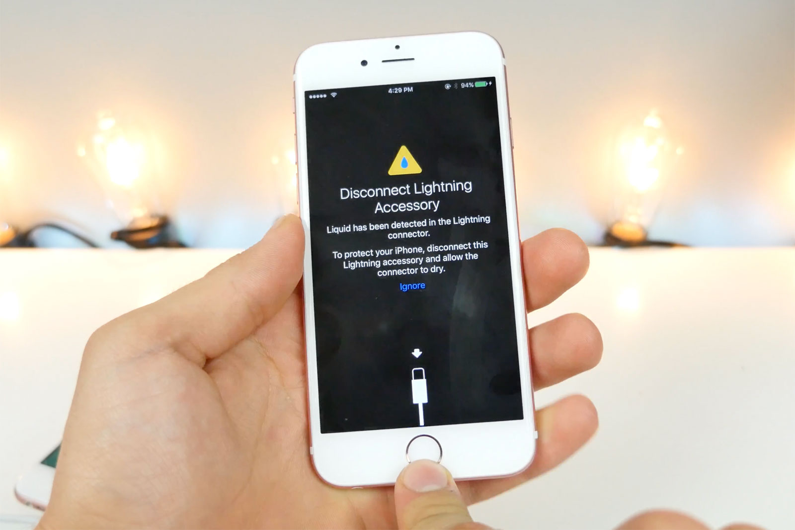 new concept e0348 0b888 Latest iOS 10 beta warns you about your wet Lightning port | Mobile ...