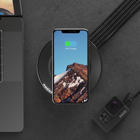 Nomad Wireless Charging Hub + 4 USB Ports - Black